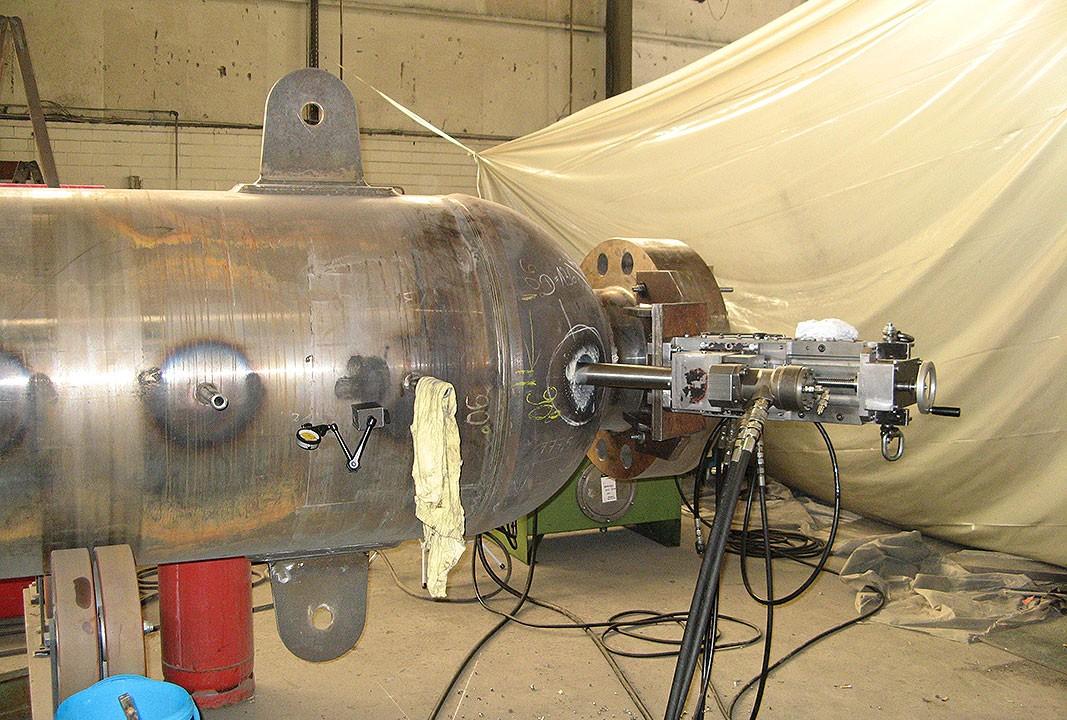 BG 100 H - Bohrung Ø 150 mm neu in Kugelboden - 50 mm Wanddicke