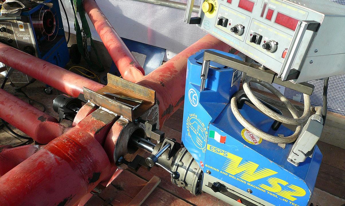 WS 2 - Ausspindeln Gittermastbohrungen - Ø 100 mm x 200 mm lang nach Auftragsschweissung